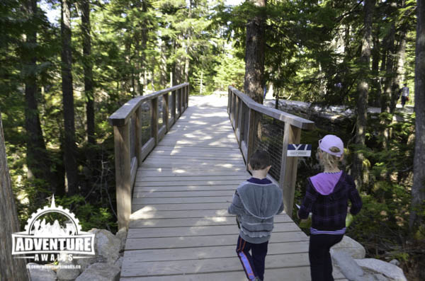 Sea to Sky Gondola - Kids on bridge