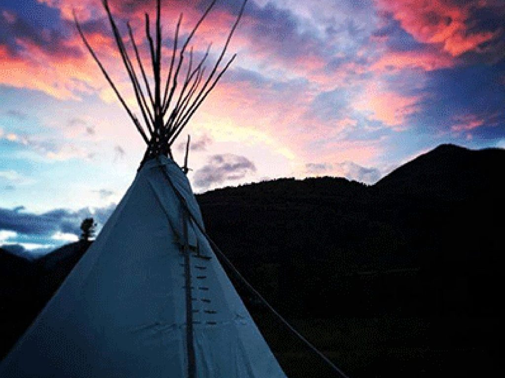 tipi-waterton-lakes