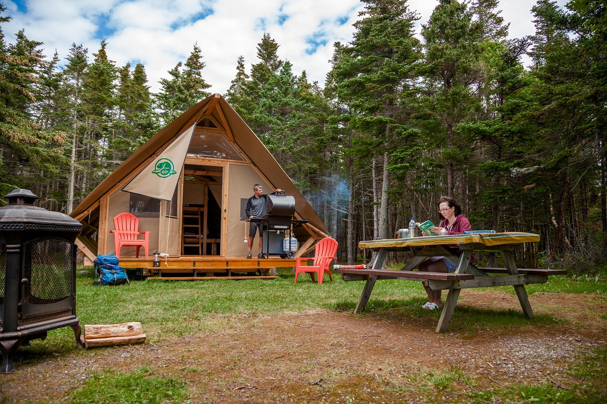 Glamping in canada for Camp sites with cabins