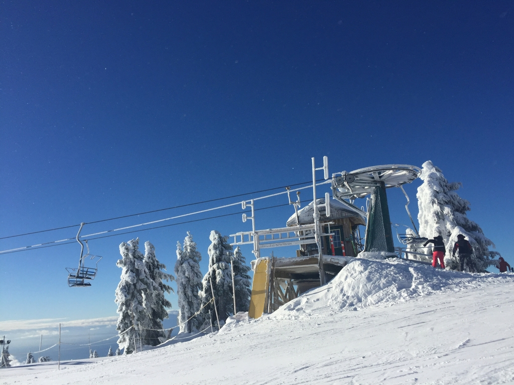 ski lift on cypress mountain