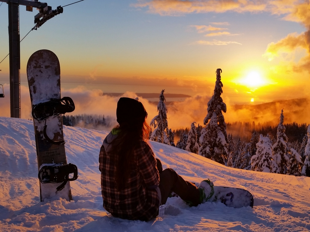 snowboarder-on-seymour-mountain