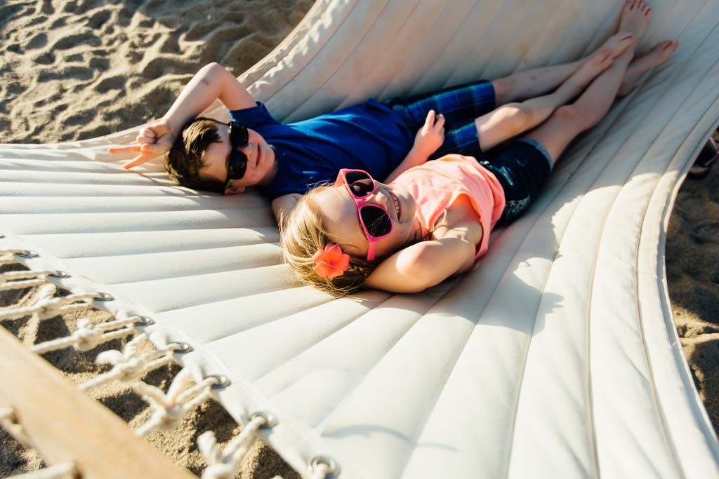 boy-and-girl-in-hammock