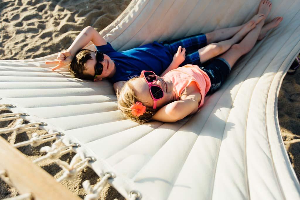 boy-and-girl-in-hammock