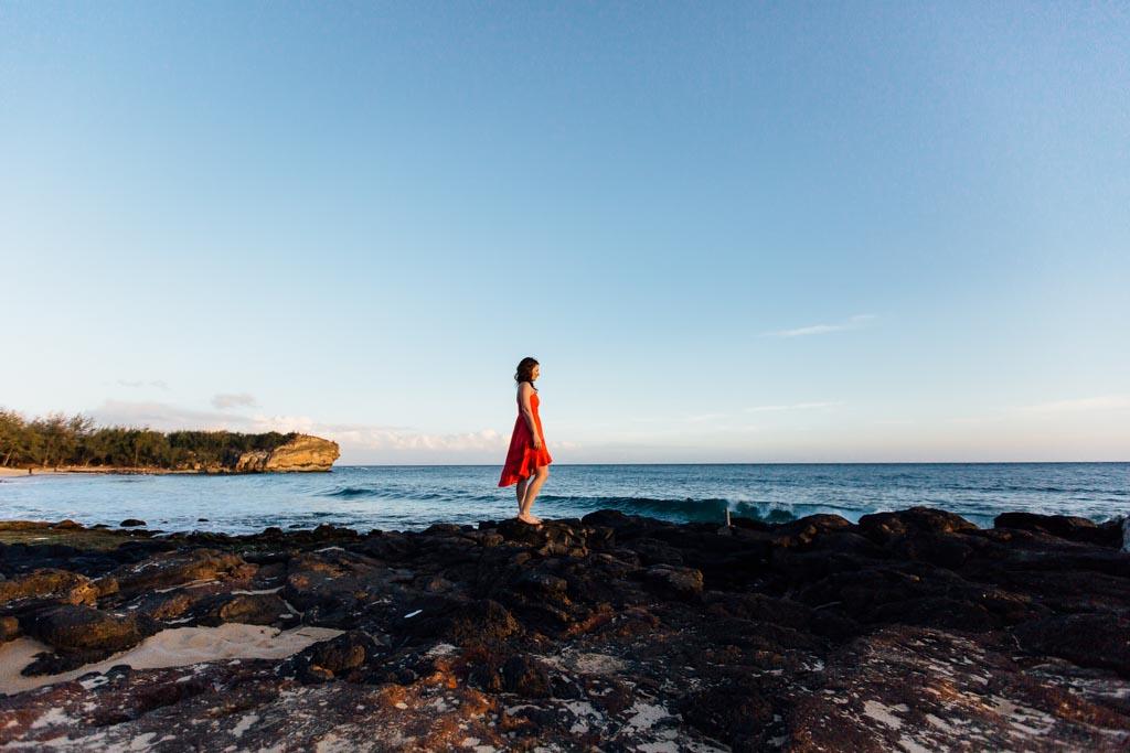 woman-overlooking-ocean-kauai