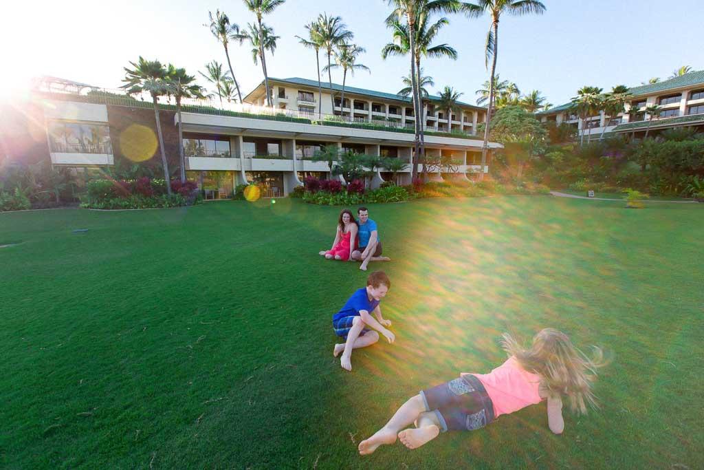 kids-rolling-down-hill-kauai