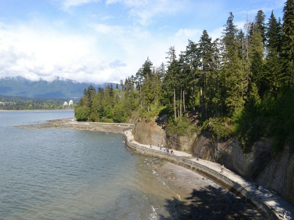 Stanley park seawall for free things to do with kids spring break