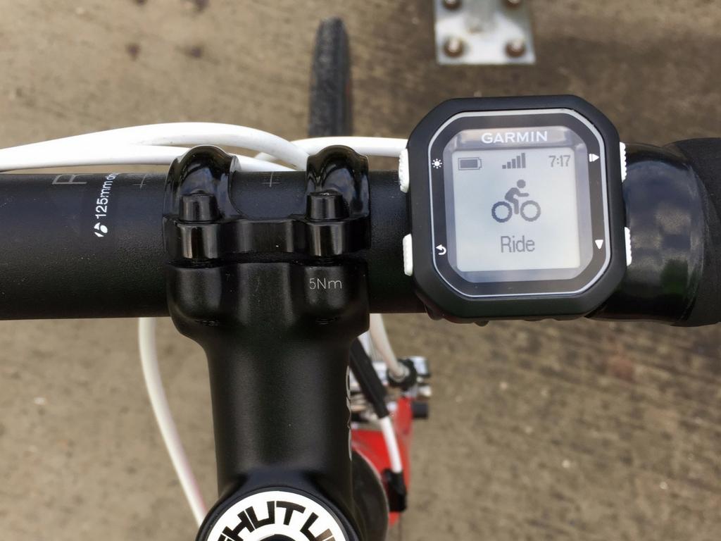 handle-bars-of-road-bike