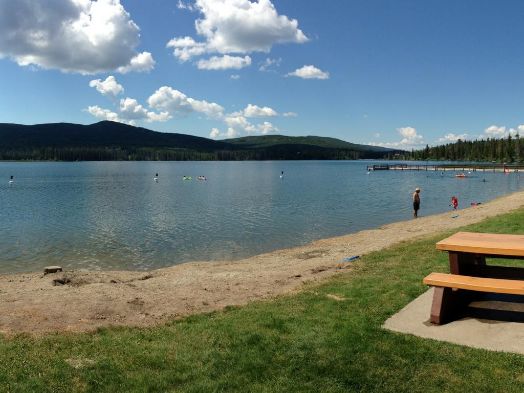 lac-le-jeune-provincial-park