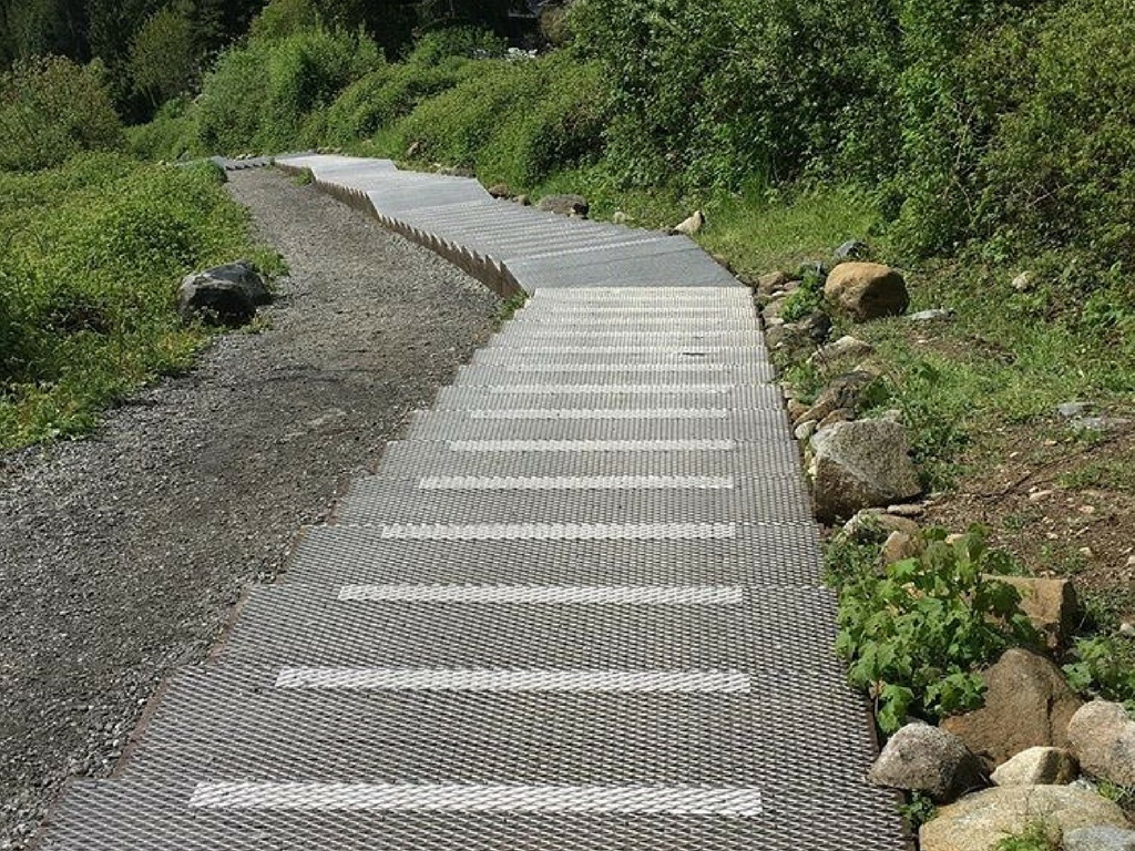 stairs-on-the-coquitlam-crunch-trail