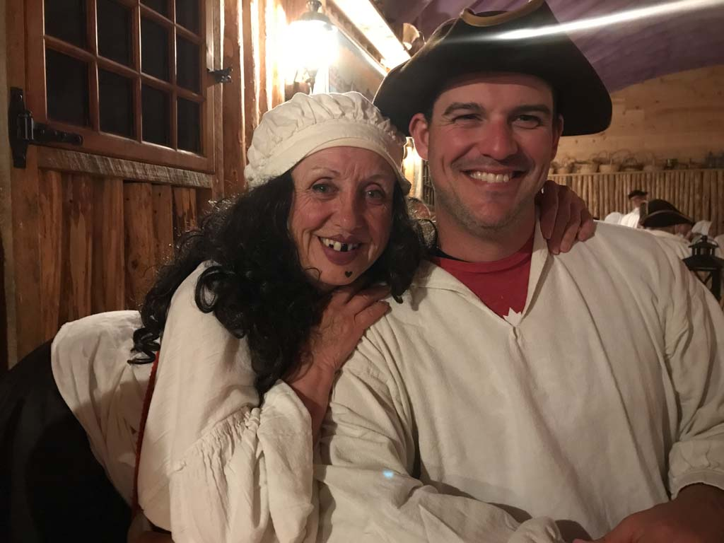 man-and-woman-at-beggars-banquet-louisbourg