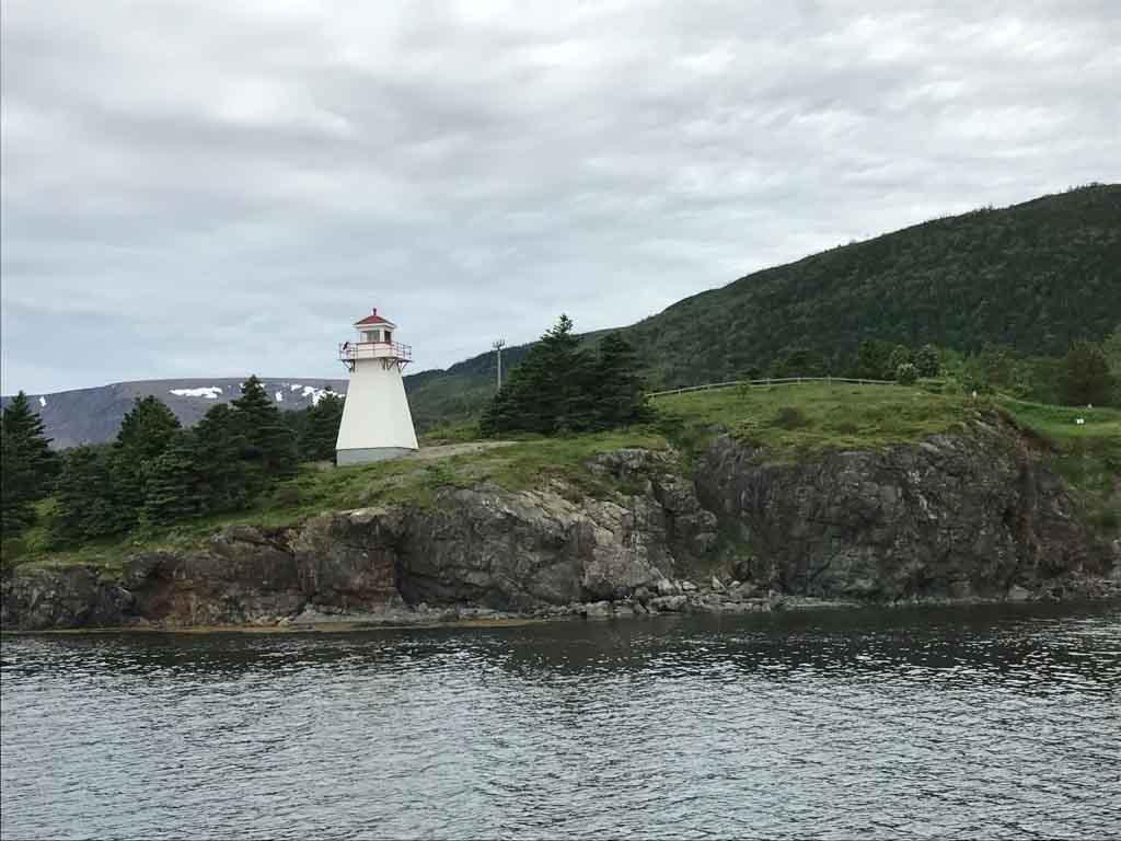 lighthouse-in-gros-morne