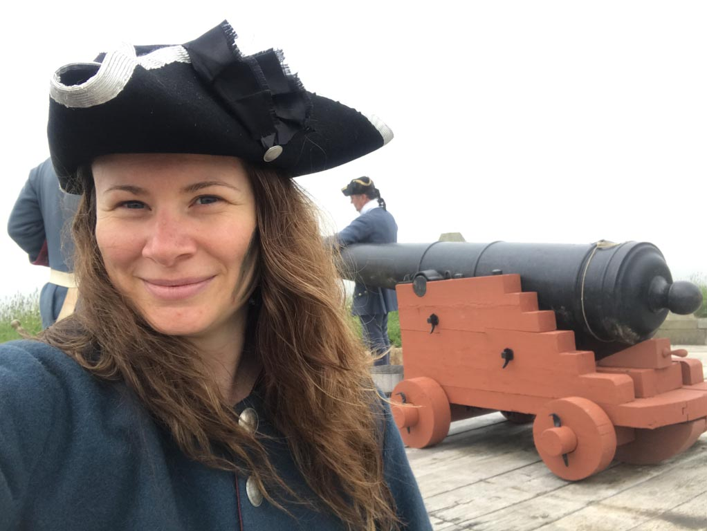 woman-at-fortress-of-louisbourg