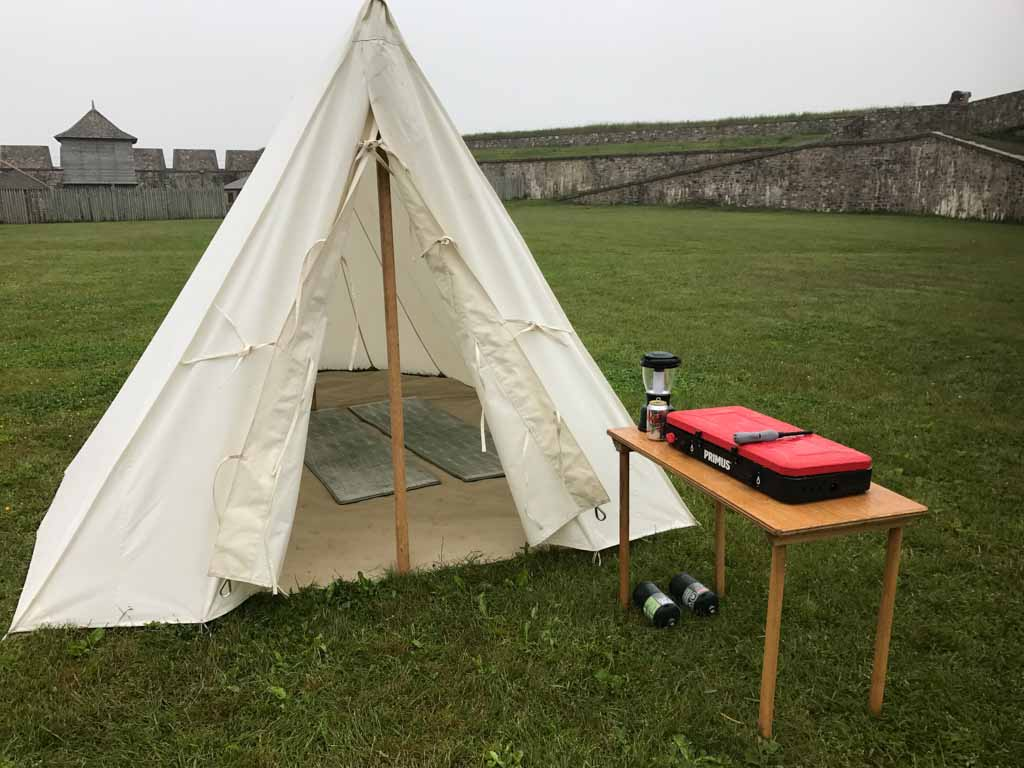 tent-inside-fortress-of-louisbourg