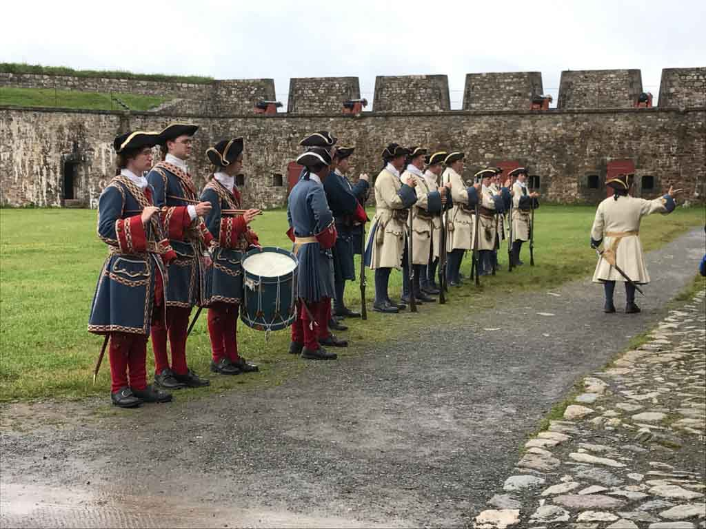 live-demonstrations-at-fortress-of-louisbourg