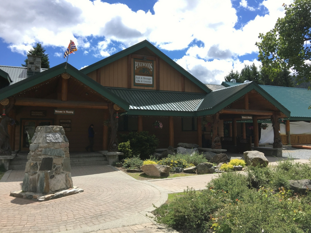 store-and-restaurant-at-manning-park-resort