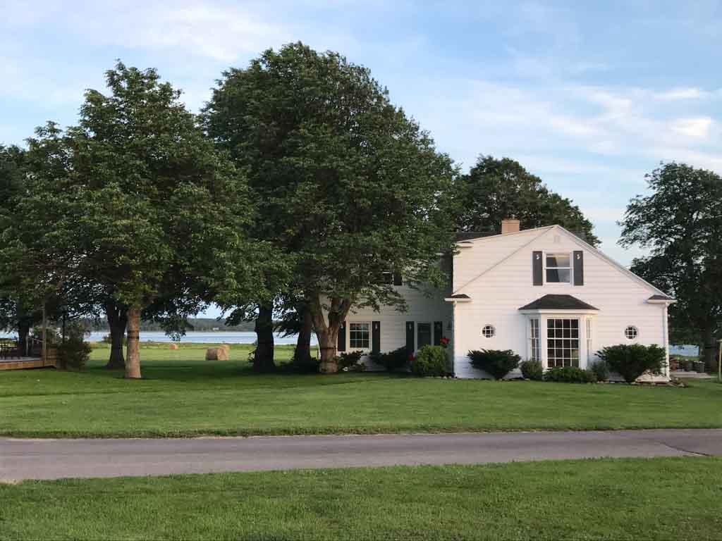 farmhouse-at-shaw's-hotel
