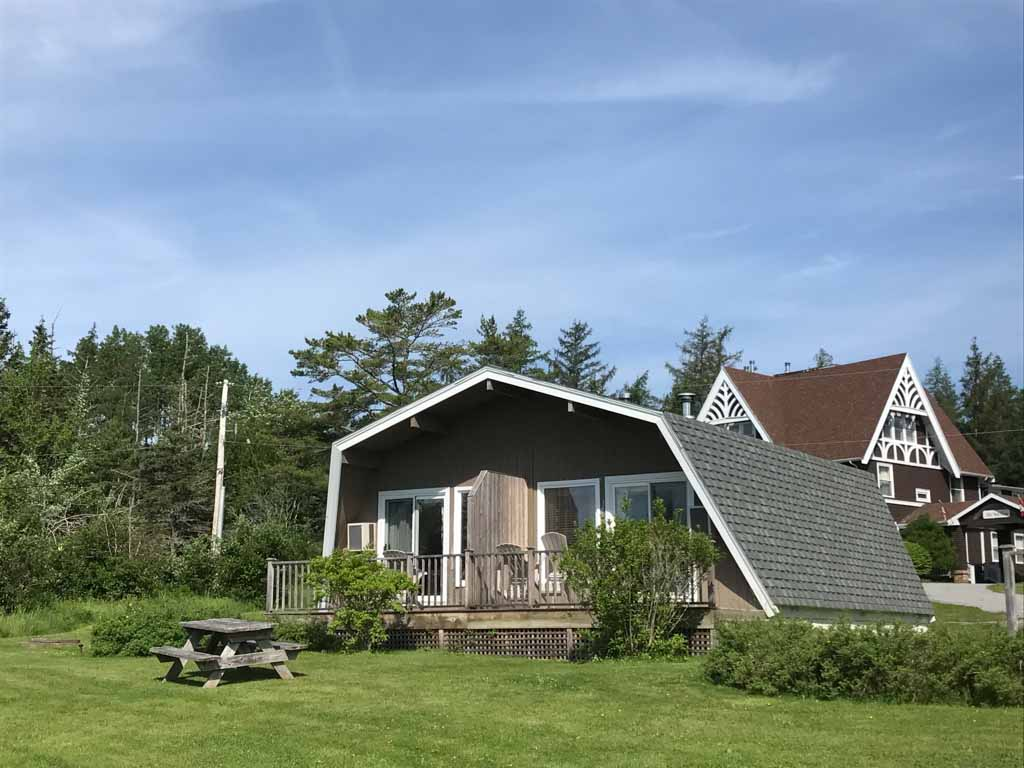 outside-of-chalet-at-silver-dart-lodge-in-baddeck