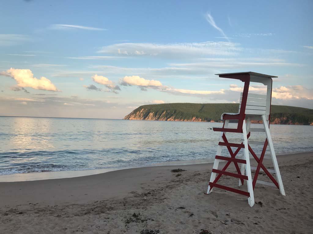 lifeguard-tower-on-ingonish-beach