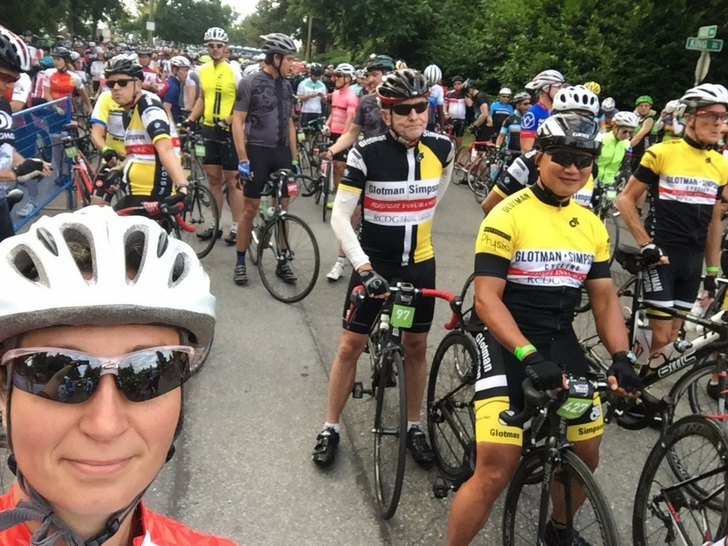granfondo-competitor-waiting-for-race-start