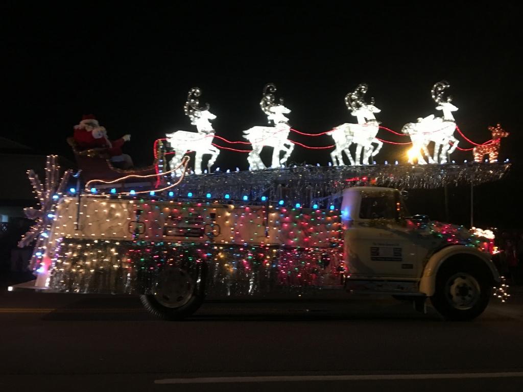 light-up-christmas-parade