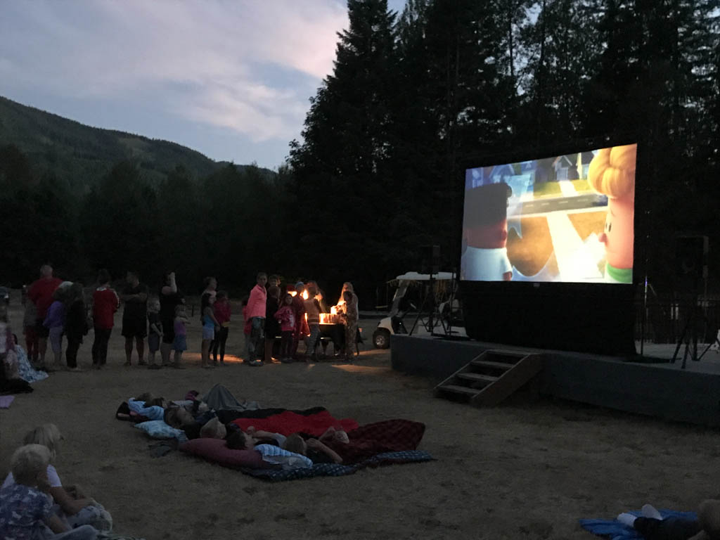 outdoor movie screen for best outdoor gifts for kids