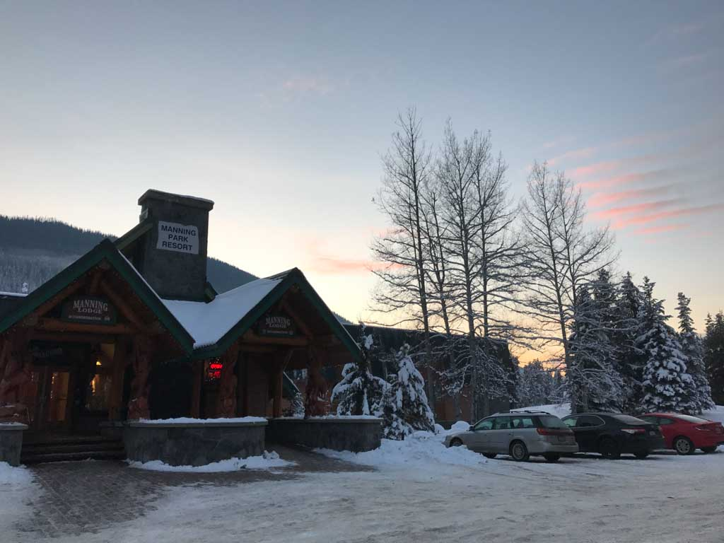 outside-manning-park-resort-main-lodge