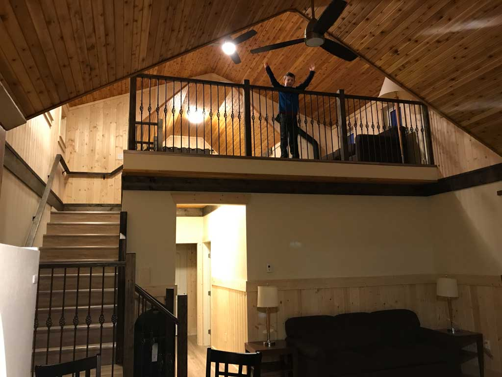 boy-in-loft-in-premium-cabin-at-manning-park-resort