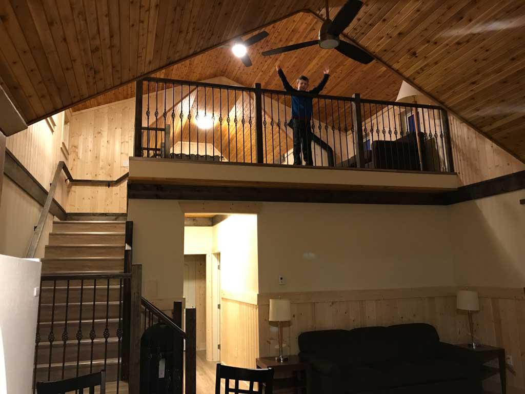 boy-in-loft-in-premium-cabin-at-manning-park-resort