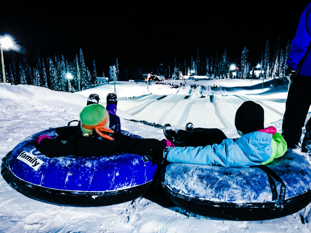 kids-tubing-at-big-white