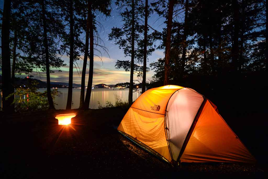 tents-at-night-in-fintry-provincial-park