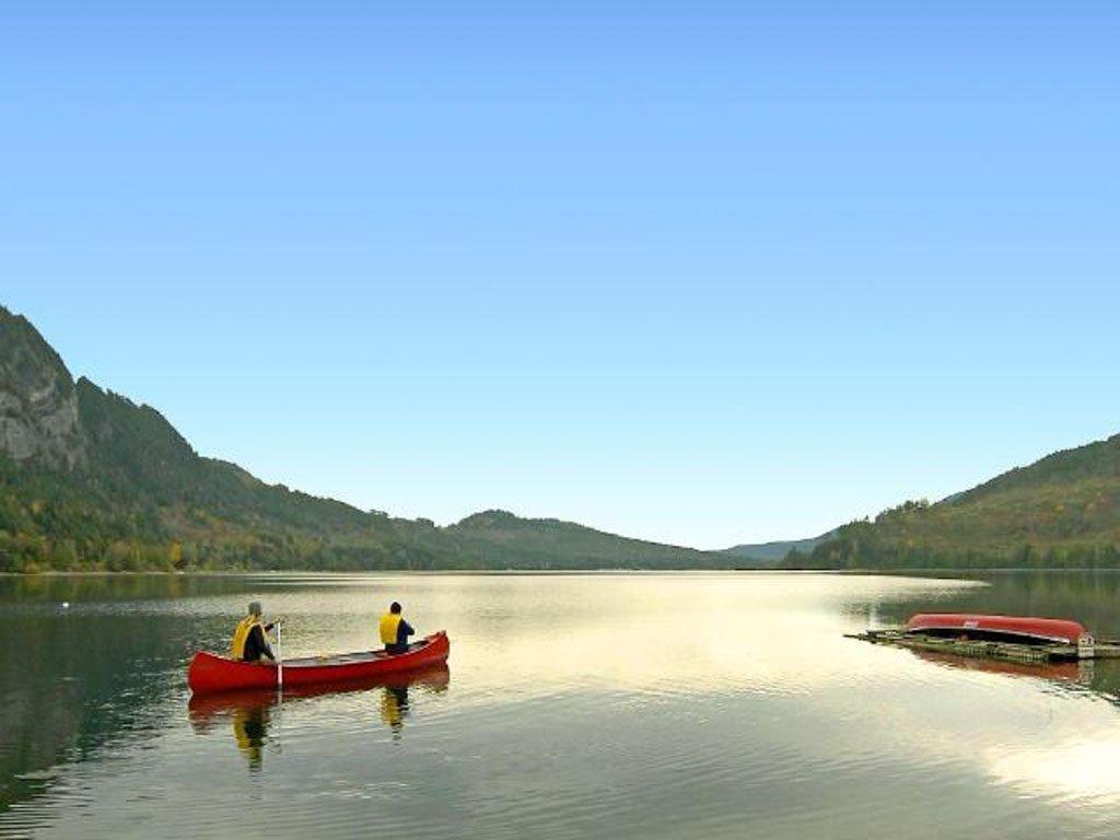 canoeist-on-horne-lake