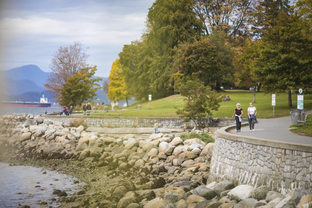 Stanley Park Seawall for Free Spring Break Activities in Vancouver