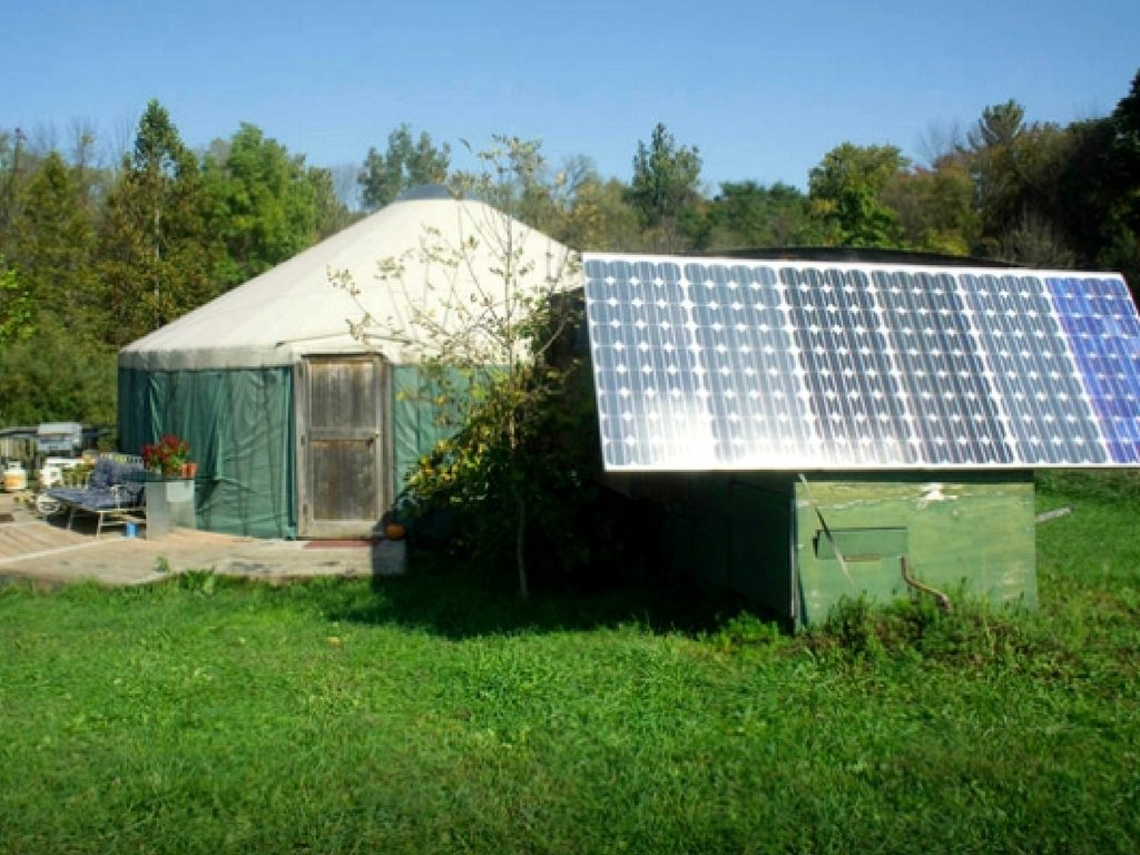 yurt-with-solar-panels