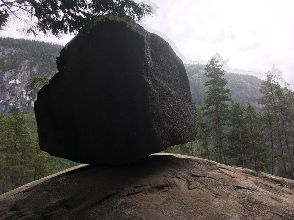 large-boulder-on-cliff