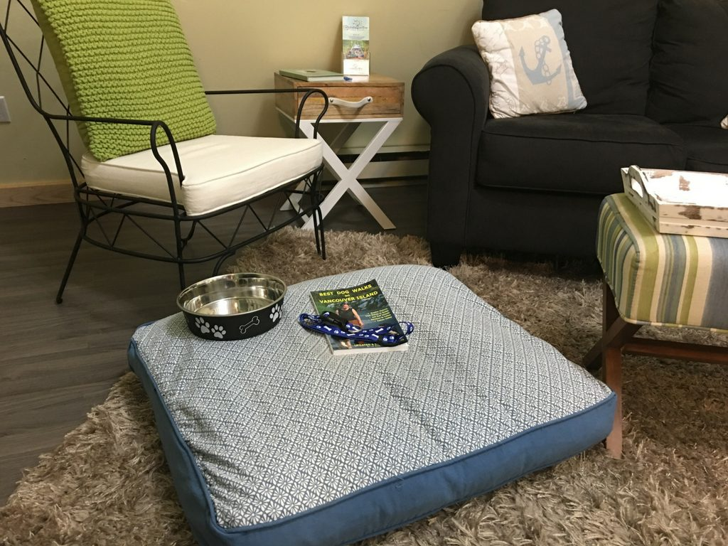 dog-bed-at-stones-throw-cottage