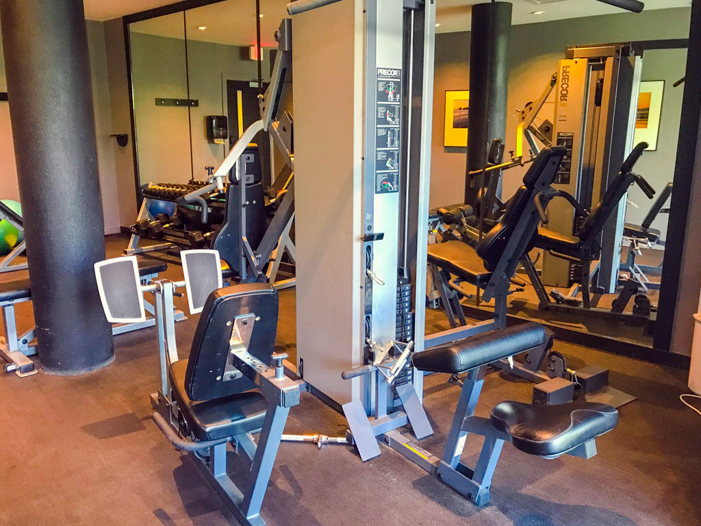 work-out-equipment-in-gym