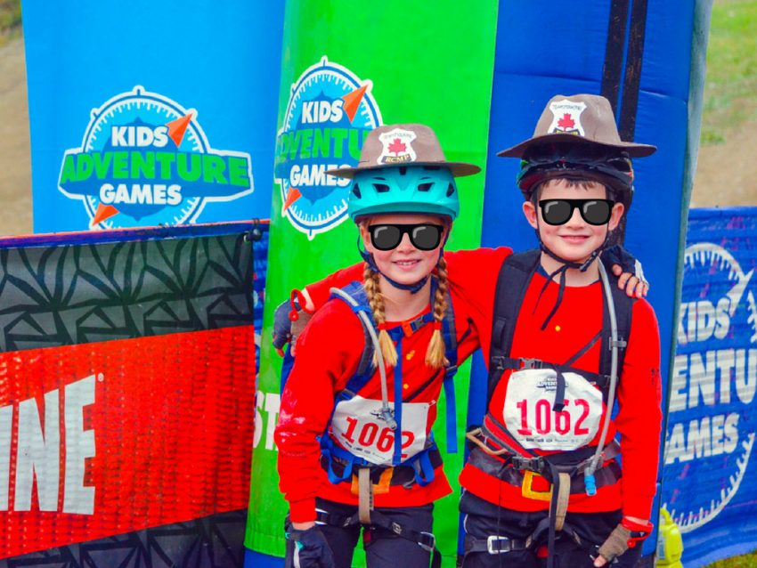 kids-dressed-as-mounties-for-race