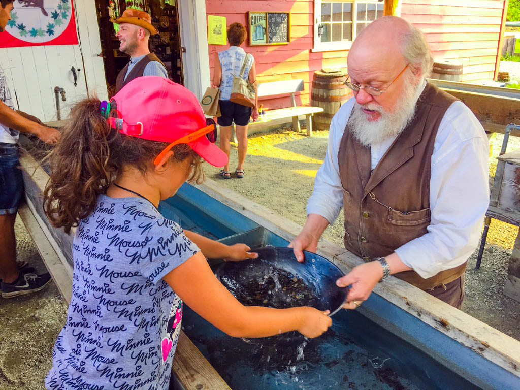 gold-panning-at-barkerville