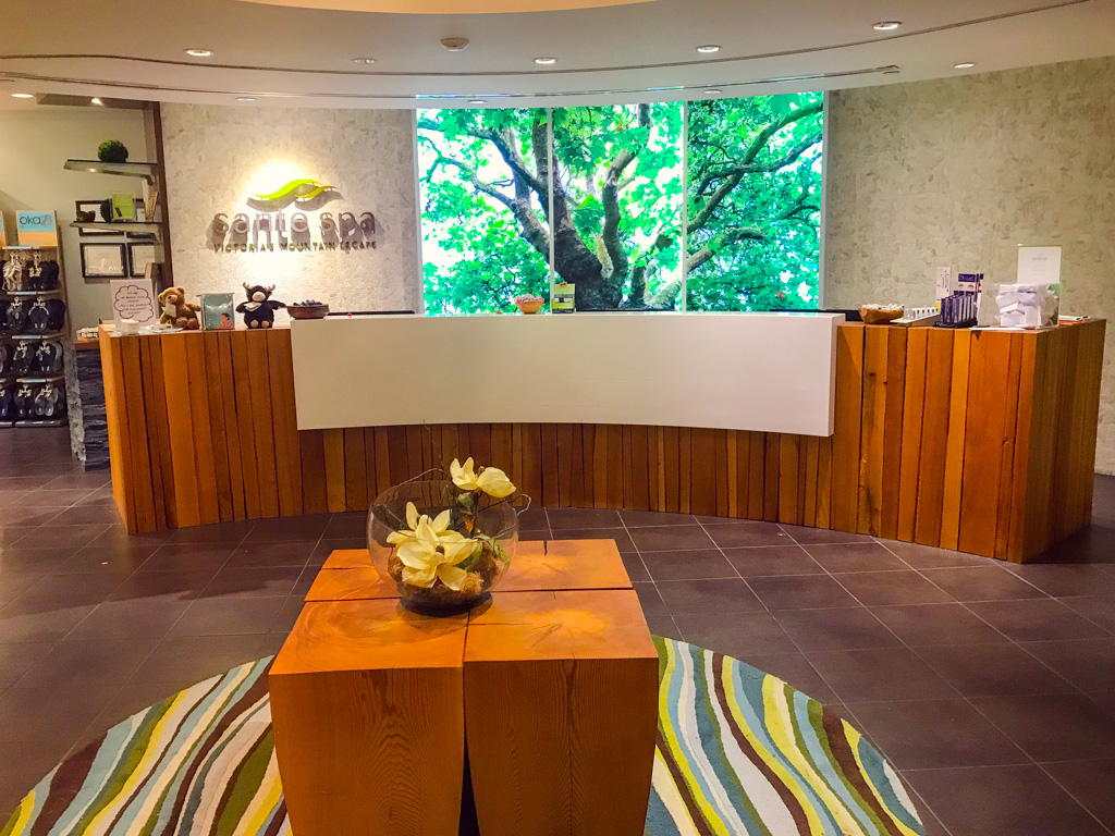 spa-front-desk-at-bear-mountain-resort