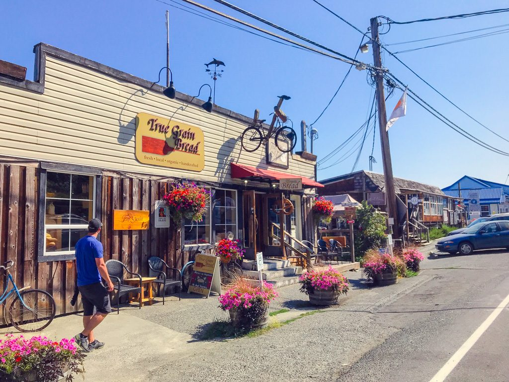 stores-in-cowichan-bay