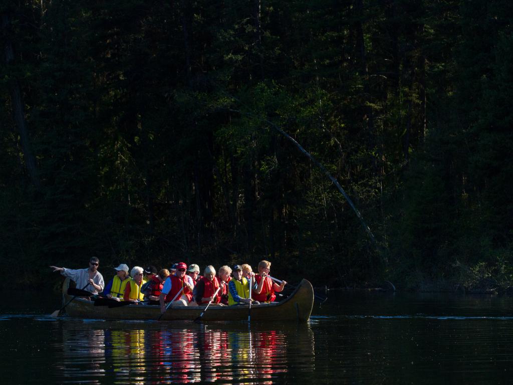Sun-Peaks-canoe-tour