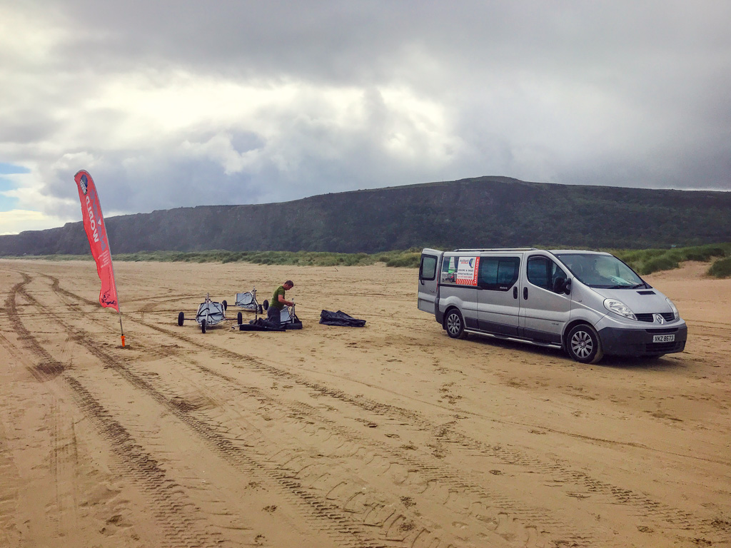 unloading-blokarts-on-beach