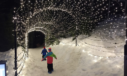 kids-at-peak-of-christmas