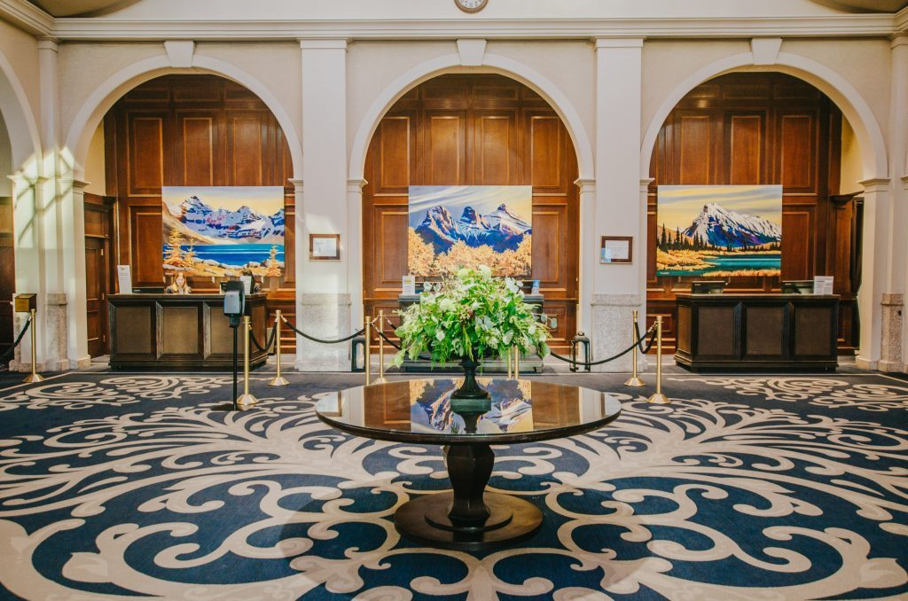 fairmont-chateau-lake-louise-lobby