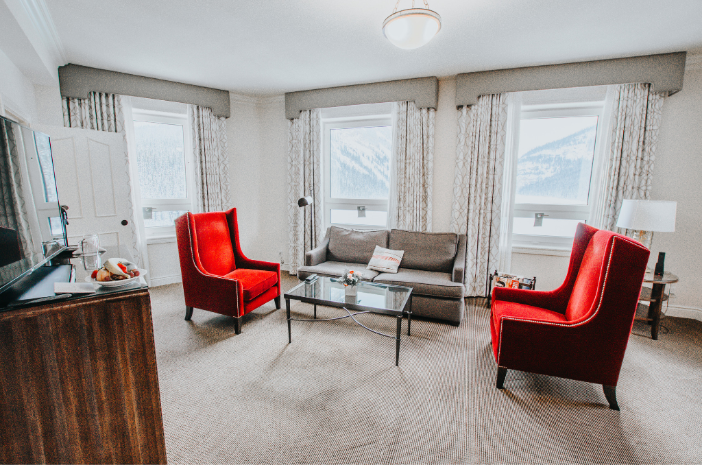 living-room-inside-fairmont-chateau-lake-louise-suite