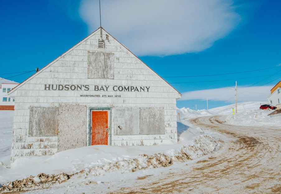 hudson's-bay-company-building-in-nunavut