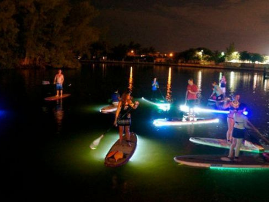 group-night-tour-stand-up-paddleboard