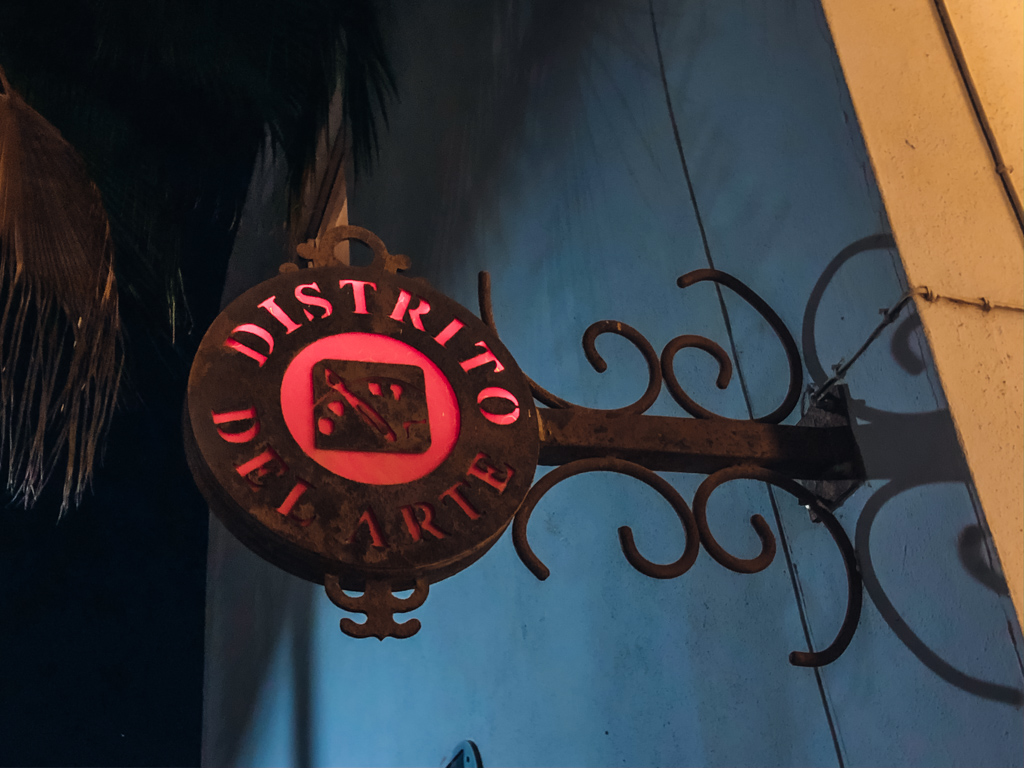 old sign indicating the gallery district on the San Jose Del Cabo Walking Tour