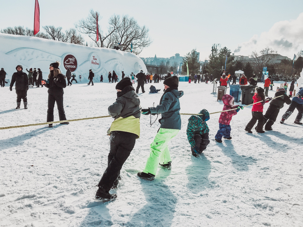 kids having a game of tug o war at winterlude guide