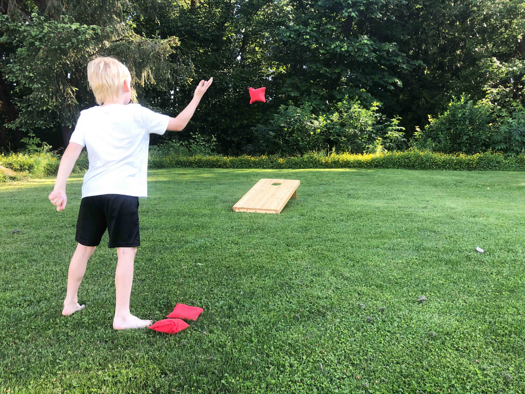 cornhole for backyard lawn games